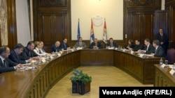 Архивска фотографија: Средба на претставници на српската влада и претседателот Томислав Николиќ со косовските Срби.