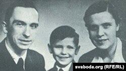 Ларыса і Ян Геніюшы з сынам Юркам