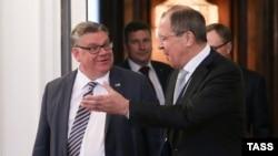 Sergei Lavrov və Timo Soini