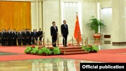 Kyrgyzstan - China. Chinese Premier Li Keqiang and the Prime Minister of Kyrgyzstan Temir Sariev.