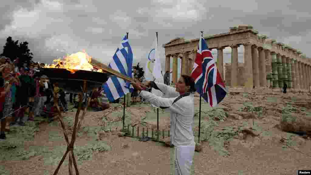 Традиция зажжения олимпийского огня в Греции, 12 мая 2012