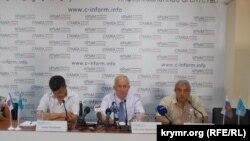 Aqmescitte qırımtatar teşkilâtınıñ - «Namus», «Qırım birligi» ve «Milli firka» ötkerilgen matbuat-konferentsiya