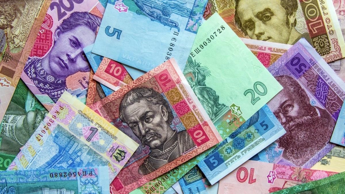 Нацбанк призывает бизнес переходить на безналичные расчеты, а банки – защищать работников