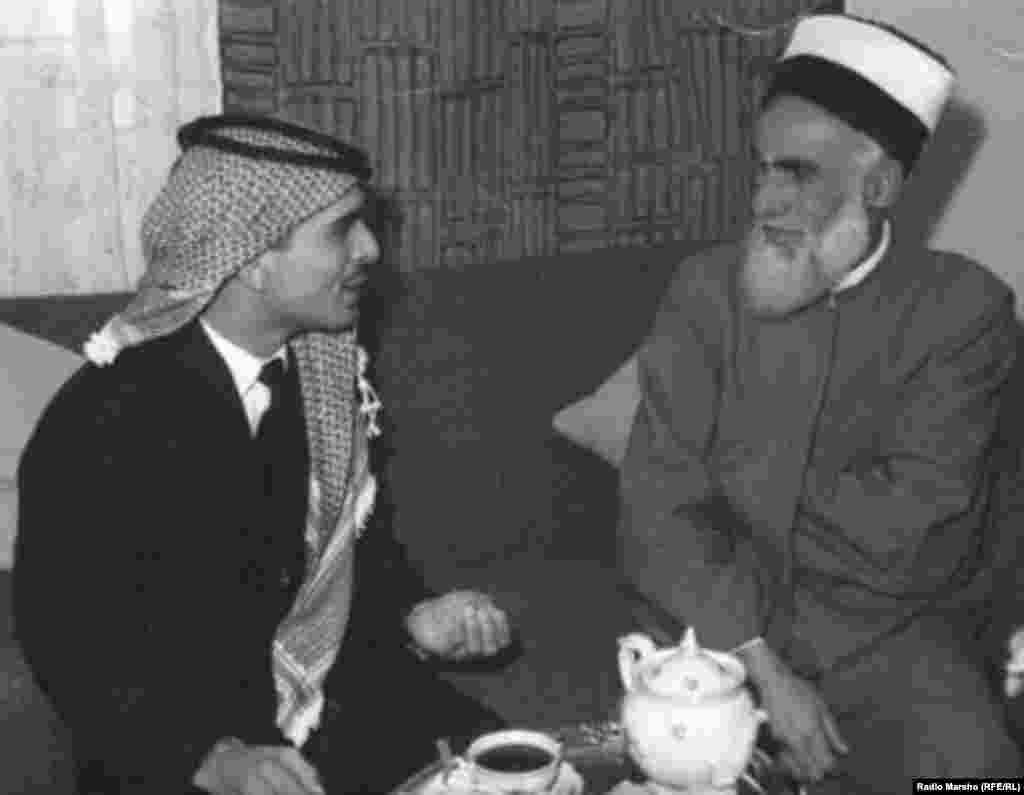 Нохчийн устаз Къадро Iабдул-Хьамид Шайх а, Урдунан паччахь Хьусейн а, Амман, 1962