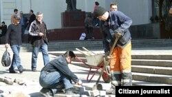 Ресейде жұмыс істеп жүрген тәжік мигранттары. (Көрнекі сурет)