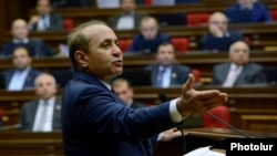 Armenia - Speaker Hovik Abrahamian addresses the National Assembly in Yerevan, 3Feb2014.