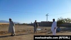 د پښین درې تنه د بیتو لوبه کوي،چې ورته بنټه بېته یا بلوري هم ویل کېږي.دا د بلوچستان په پښتني سیمو کې ددې لوبې ګڼ کسان لېواله دي.۱۴ م نومبر ۲۰۱۱