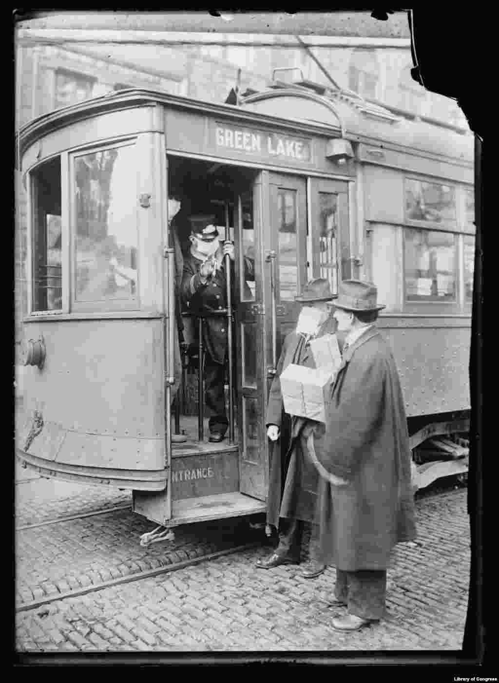 У штаті Вашингтон маски для обличчя використовували як запобіжний захід проти грипу в 1918-1919 роках. До 1920 року поширення вірусу фактично завершилося.