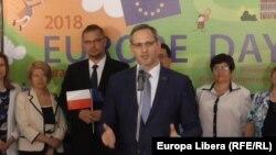 Moldova / Transnistria -- Vitali Ignatiev (C), Europe Day at the Tiraspol University