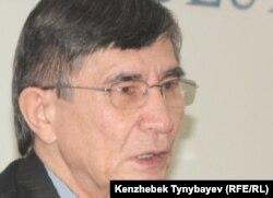 Саясаткер Жасарал Қуанышәлин. Алматы, 28 желтоқсан 2010 ж.