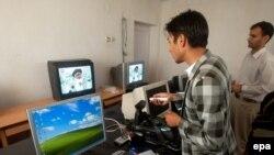 د افغانستان د راډیو تلویزون یوه محلي سټوډیو