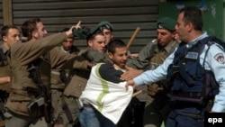 فلسطینی های معترض روز جمعه نیز با پلیس درگیر شدند.