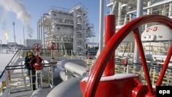 افزايش قيمت نفت نشان می دهد که اقتصاد جهانی تا چه حد می تواند نسبت به تنش در منطقه خليج فارس حساس باشد.