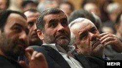 محمدرضا رحیمی (راست) در مراسم معارفه علی نیکزاد (وسط) به عنوان سرپرست وزارت ارتباطات- ۱۹ آذرماه ۱۳۹۱