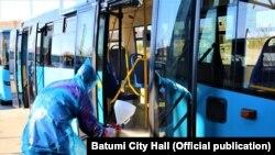 Дезинфекция общественного транспорта в Батуми (иллюстративное фото)