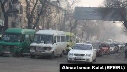 На одной из улиц Бишкека. Иллюстративное фото.