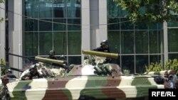 Paradda nümayiş olunan silahların bir hissəsi NATO standartlarına uyğun idi