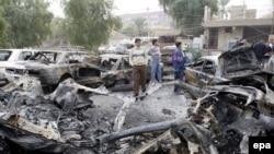 انفجار یک بمب کنار جاده که یک گشت پلیس را هدف قرار داده بود، یک سرباز عراقی را از پای در آورد و ۴ عابر غیر نظامی را زخمی کرد.
