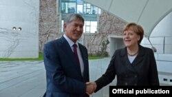 Немис канцлери Ангела Меркел менен. 1-апрель, 2015-жыл.