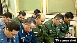 Kanuny ýerine ýetiriji edaralaryň başlyklary hökümet maslahatynda. Aşgabat, 8-nji iýun, 2010 ý.