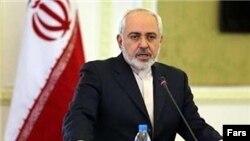 د یران بهرنیو چارو وزیر جواد ظریف یوې غونډې ته د وینا پر مهال.