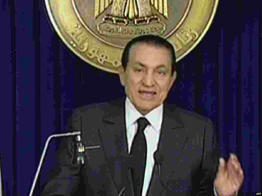 Mubarak addresses the nation again on February 10 but doesn't announce his resignation, as had been expected.