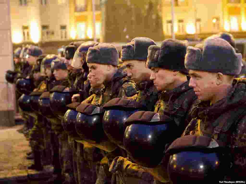 Співробітників правоохоронних органів і солдатів внутрішніх військ на Тверській площі було у кілька разів більше, ніж учасників мітингу