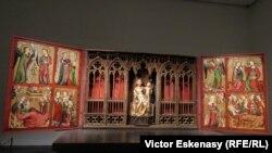 Altarul Altenberg expus la expoziția de la Städel