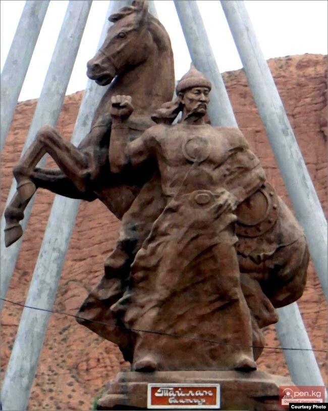 Тайлак баатырдын айкели. Нарын шаары.