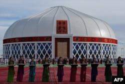 Концентный зал в Мары в виде юрты