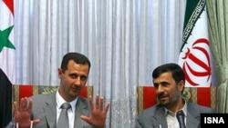 محمود احمدی نژاد در جریان یک نشست خبری مشترک با بشار اسد، رییس جمهوری سوریه از ادامه گفت وگو با غرب استقبال کرد.(عکس از ایسنا)