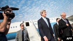 Izrael - Sekretari Amerikan i Shtetit, John Kerry, pas aterimit në aeroportin e Tel Avivit (Ilustrim)