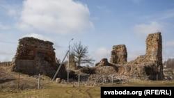 Руіны Крэўскага замку