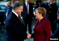 Петр Порошенко и Ангела Меркель. Берлин, 19 октября 2016 года