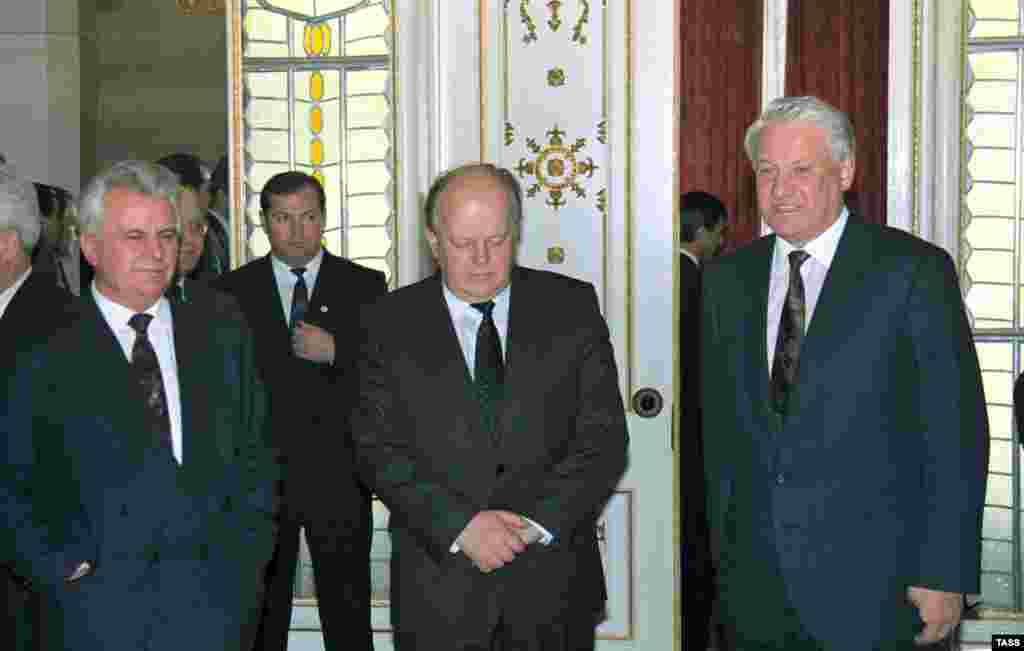 "Kravchuk (left), Shushkevich (center), and Yeltsin after signing the CIS agreement on December 8, 1991 (TASS) - On December 8, 1991, the three republican leaders signed an agreement establishing the Commonwealth of Independent States. The statement declared that the organization was open to all the Soviet republics, as well as to other countries. Although Gorbachev denounced the pact as ""illegal and dangerous,"" it spelled the end of the Soviet Union."