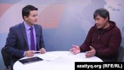Режиссер Данияр Саламат (оң жақта) пен журналист Нұрбек Түсіпхан. Алматы, 5 қаңтар 2018 жыл.