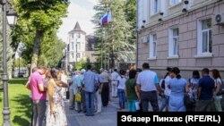 Жителі «галявини протесту» біля міськради Сімферополя. 3 серпня 2018 року