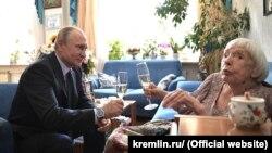 Վլադիմիր Պուտինն այցելել է Լյուդմիլա Ալեքսեևային, 20-ը հուլիսի, 2017թ.