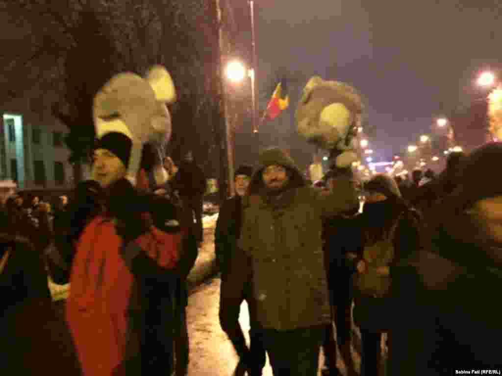La demonstrația de la București în cursul serii...
