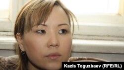 Жена арестованного лидера незарегистрированной оппозиционной партии «Алга» Владимира Козлова Алия Турусбекова. Алматы, 6 февраля 2012 года.