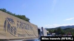 Kamioni na prelazu Merdare, foto: Miloš Ivanović