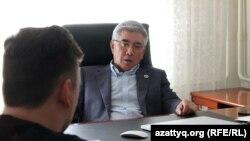 Оппозициялық ЖСДП партиясының лидері Жармахан Тұяқбай. 19 қазан 2016 жыл.