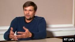 «Руслан Боширов», він же, як вважають, Анатолій Чепіга, в ефірі пропагандистського телеканалу RT твердив, що він простий турист