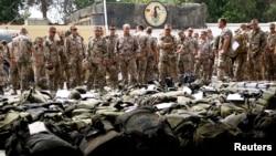 Немецкие солдаты на военной авиабазе в узбекском Термезе.