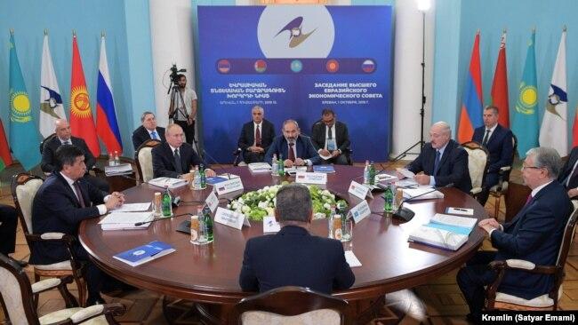 Еуразия экономикалық одағы мемлекет басшыларының саммиті. Ереван, 1 қазан, 2019 жыл.