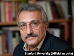 عباس میلانی میگوید: تردید ندارم که در تحولات ایران بعد از انقلاب، شوروی آن زمان و روسیه این زمان، نقش بسیار مهم و البته کمتر مطالعه شدهای دارند. بدون شک شوروی در سرکوب مثلاً کودتای نوژه نقش داشته است.