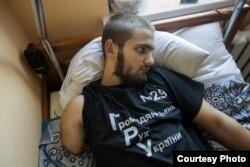 Бойовики відрубали руку Василеві Пелишу через татуювання з написом «Слава Україні»