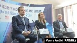 Šef spoljnih poslova Srbije Ivica Dačić, predsednica Centra za spoljnu politiku Aleksandra Joksimović i ambasador SAD u Srbiji Kajl Skat učestovali su na konferenciji u Beogradu