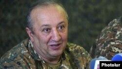 Заместитель министра обороны Армении, начальником департамента по материально-техническому обеспечениюМовсес Акопян (архив)
