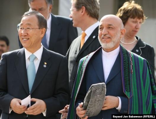 Generalni tajnik UN Ban Ki-moon i predsjednik Afganistan Hamid Karzai 20. srpnja 2010